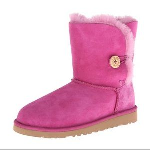 UGG pink bailey button